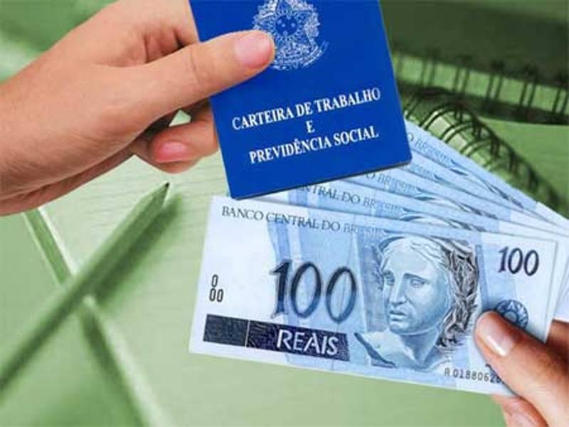 Consultora financeira vai receber como salário comissões que eram pagas como PLR